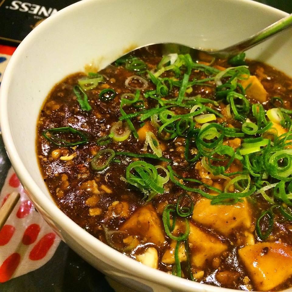 おばんざい坂町ハイカラ料理 カリッカリからあげとピリ辛麻婆丼
